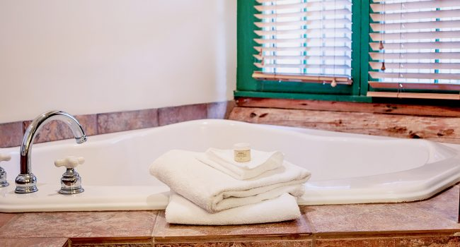 The Jacuzzi tub in Lodge Room #1